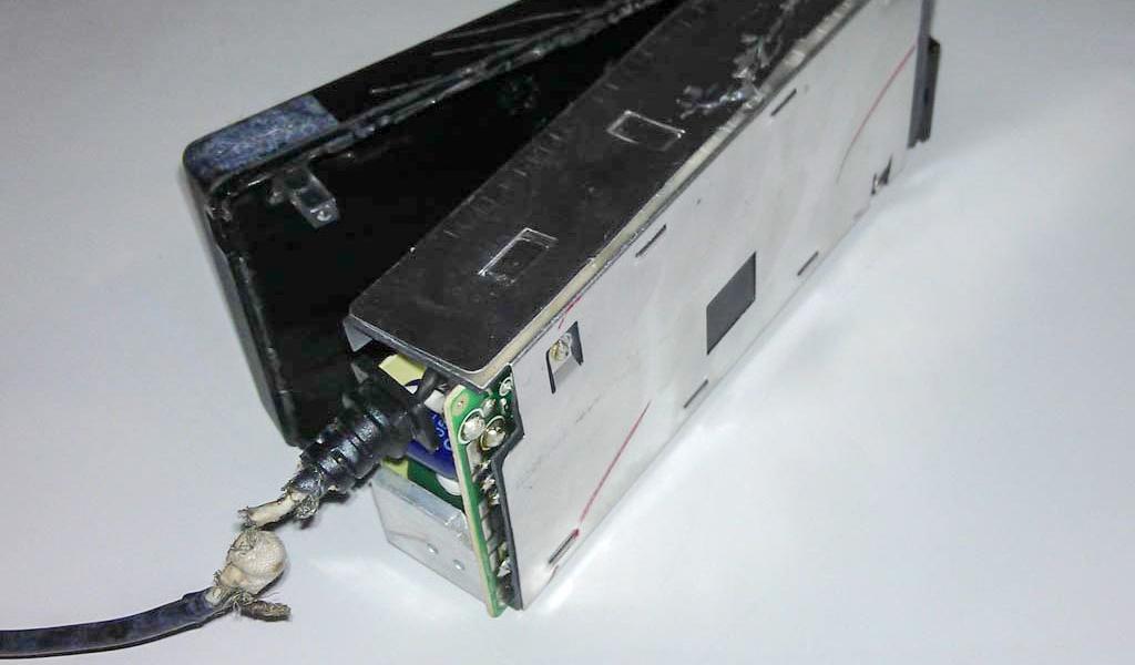 Jak opravit napájecí adaptér notebooku