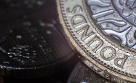 Práce v Anglii: Finance